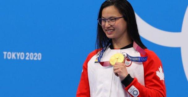 7. Kanadalı Margaret Macneil 100 metre Kelebekte Altın Madalya Aldı