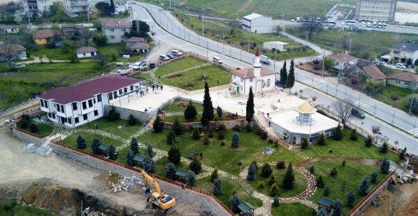 Akse Semt Meydanı'nı Hizmete Açılıyor