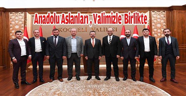 Anadolu Aslanları İş Adamları Derneği Kocaeli Şube Başkanı ve Yeni Yönetimi  Valimizi Ziyaret Etti