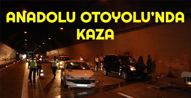 Anadolu Otoyolu'ndaki kaza ulaşımı aksattı