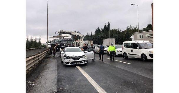 Anadolu Otoyolu'nun  Kocaeli Kesimindeki Zincirleme Kaza Nedeniyle Ulaşıma Kapandı