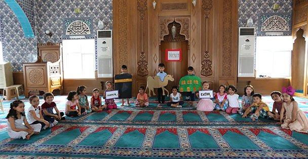 Anne Çocuk Kulübü'nden değerler eğitimi
