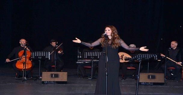 Atatürk, Gebze'de sevdiği şarkılarla anıldı