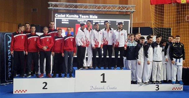 Avrupa'da karatecilerden  büyük başarı