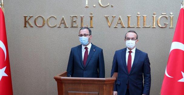 Bakan Kasapoğlu Kocaelinde ziyaretlerde bulundu