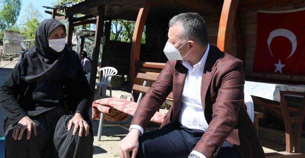 Başkan Büyükakın, Kandıra'da şehit annesini ziyaret etti
