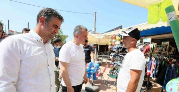 Başkan Büyükakın, Kerpe'de esnaf ziyareti yaptı