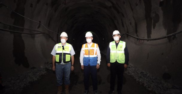 Başkan Büyükanın, Gebze OSB-Darıca Sahil Yolu Metrosu'nu inceledi