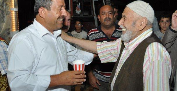 Başkan Karabacak Babalar Günü'nü kutladı.