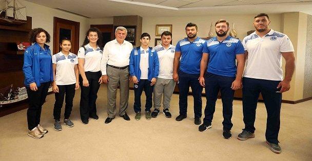 """Başkan Karaosmanoğlu, 'Dünya'da söz sahibi sporcular yetiştiriyoruz"""""""