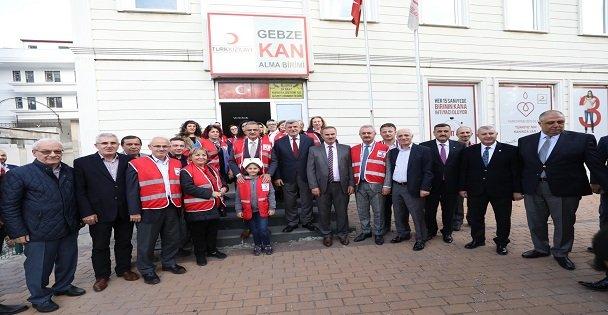 Başkan Karaosmanoğlu, ''Kızılay ve Yeşilay toplumun nüvesidir''