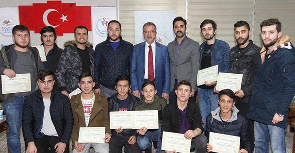 Başkan Köşker gençlerin yanında