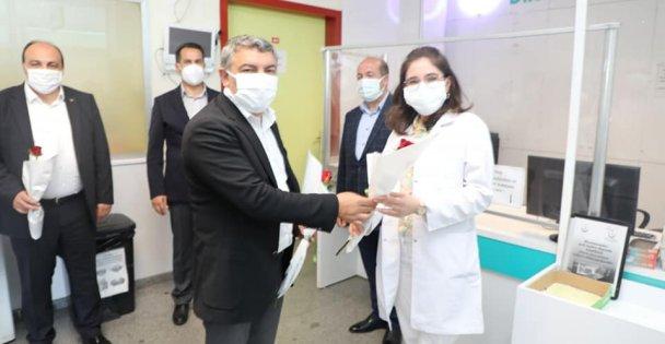 Başkan Şayir'den sağlıkçılara bayram ziyareti