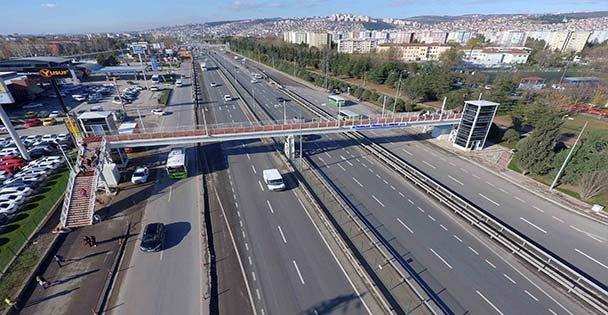 Bir yaya köprüsü de Çayırova'ya