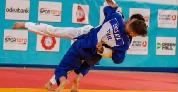Büyükşehir Kağıtsporlu Judoculardan tarihi başarı.