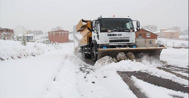 Çayırova'da karla yoğun mücadele!