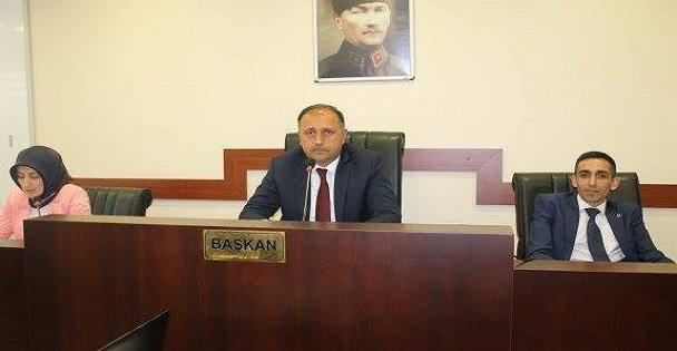 Çayırova'da Keskin istifa etti