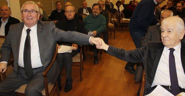 CHP, eskilerle toplandı