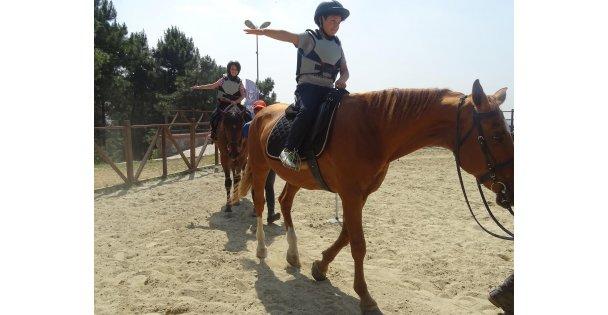 Çocuklar Ata   Sporuyla Tanışıyor