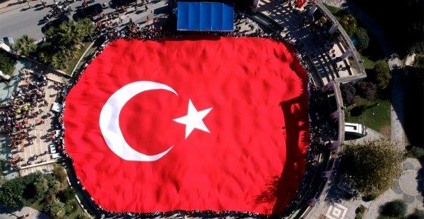 Darıca Cumhuriyet bayramını kutladı