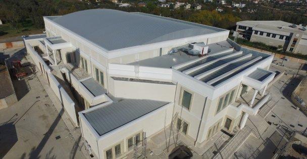 Darıca Spor Salonu Özgün Mimarisi İle Parıldıyor