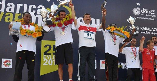 Darıca Yarı Maratonu'na büyük onur