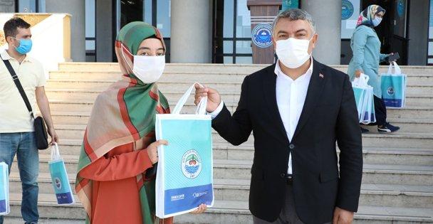Dilovası Belediyesinden 13 bin öğrenciye kırtasiye yardımı