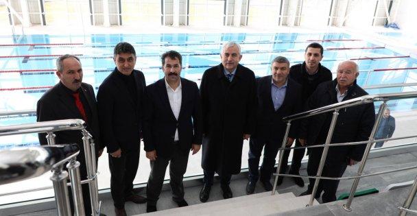 Dilovası Yarı Olimpik Yüzme Havuzu'nda inceleme