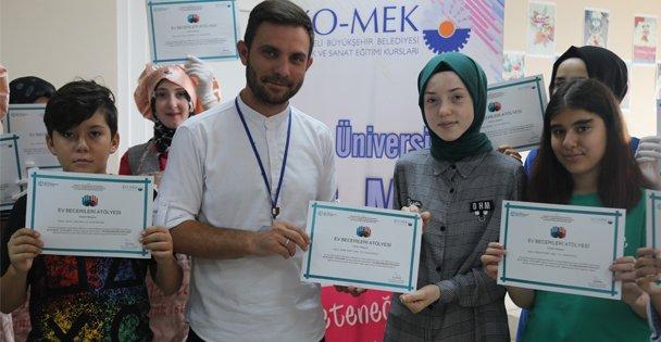Eğitimlerini başarıyla tamamlayan kursiyerlere sertifikaları verildi
