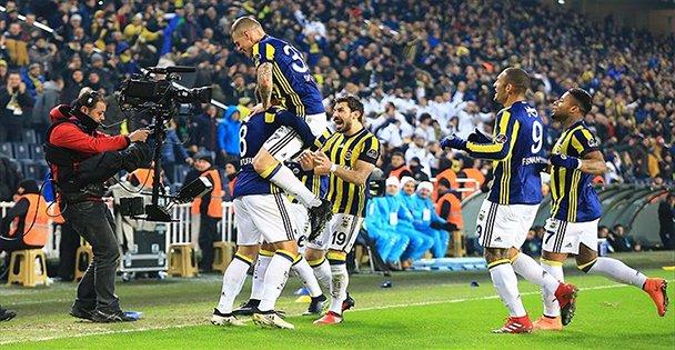 Fenerbahçe, Medipol Başakşehir'i Devirdi!