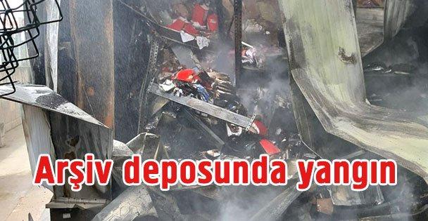 Gebze'de arşiv deposunda yangın