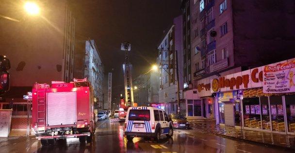 Gebze'de çıkan çatı yangını itfaiye ekiplerince söndürüldü