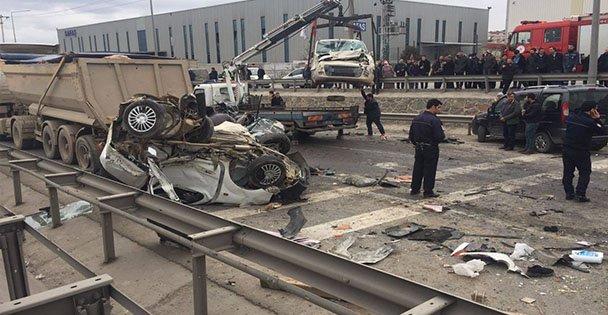 Gebze'de Feci Kaza:1 Ölü, çok sayıda yaralı var