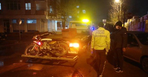 Gebze'de kamyonetle çarpışan motosiklet sürücüsü yaralandı