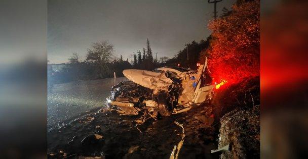 Gebze'de tırla kafa kafaya çarpışan otomobilin sürücüsü öldü