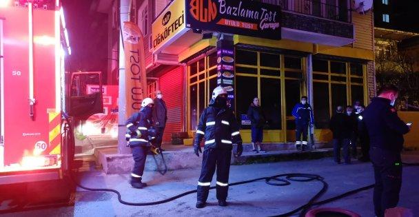 Gebze'de tost salonunda çıkan yangını itfaiye ekipleri söndürdü