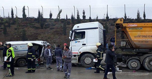 Gebze'de trafik kazası: 4 ölü 2yaralı