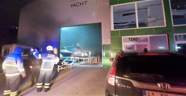 Gebze'de yat üretimi yapan fabrikada çıkan yangın söndürüldü