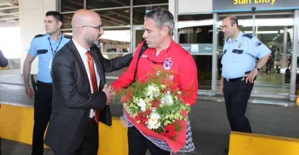 Gökhan Altıntaş ve yönetimi   Trabzonspor'u karşıladı