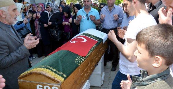 Görevi başında ölen doktorun cenazesi toprağa verildi