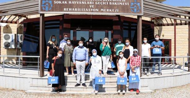 Hayvansever derneklerinden Büyükşehir'e tam destek