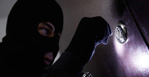 Hırsızlar Yine İş Başında!
