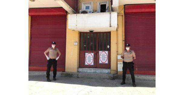 İzmit'de bir apartman karantinaya alındı
