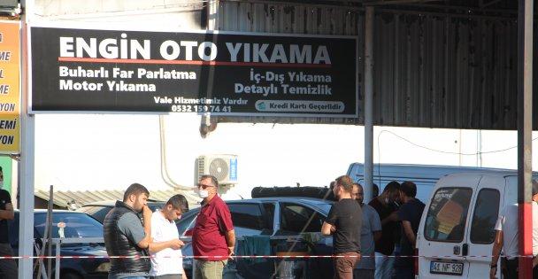 İzmit'te silahlı saldırı; 3 yaralı!