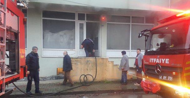 Kandıra'da depo yangını
