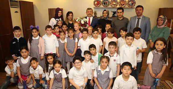 Karabacak,deneyimlerini öğrencilerle paylaştı