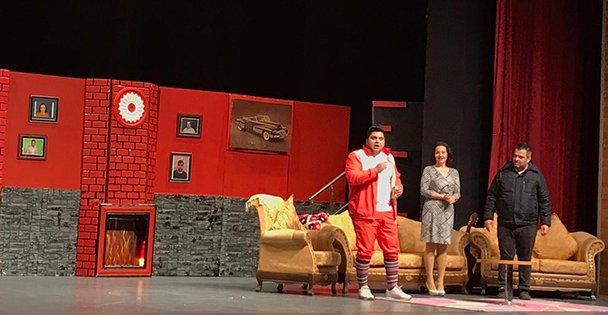 Karambol tiyatro oyunu Gebze'de sahne aldı