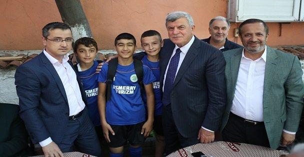 Karaosmanoğlu, Dilovası köylerini ziyaret etti