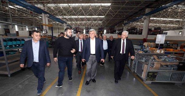 Karaosmanoğlu, Yılmaz Makine'yi ziyaret etti