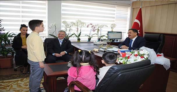 Kaymakam Güler'i okula davet ettiler
